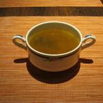 カレー&バール GARAM - 【ランチ】スープがお代わり自由です。