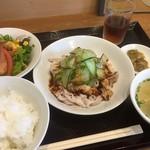 酔皇 - 料理写真:♪豚しゃぶガーリックソース¥918