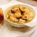 オルトキッチン - 海老、ムール貝、きのこのアヒージョ