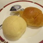 グランドサンピア八戸 - パン2種