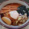 文殊 - 料理写真:きつねそば(380円)+生玉子(サービス)