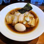 73520315 - らぁ麺さくららん(醤油そば全部のせ 950円)