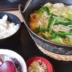 花がき - ギョーザ鍋うどん(ギョーザ10個)+ライス