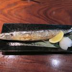 73525136 - 秋刀魚180円!