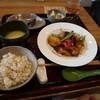 中国食堂261 - 料理写真:ベジランチ レンコン、かぼちゃ、茄子の天ぷら甘辛炒め