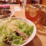 マナカマナ - サラダとドリンク