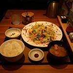 やよい軒 - たっぷり野菜の肉野菜炒め定食