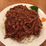 福新楼 - 細切り牛肉のかき油炒めとたっぷり生きゃべつ