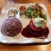 Kafemashikobito - 料理写真:プレートランチ1080円 アボカドのタルタルソースハンバーグ