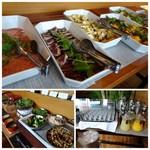 on A TABLE - ◆「鰹のタタキ」もありましたし、サラダ類も充実しています。