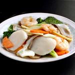 中国料理 慶福楼 - 三種海鮮の炒め