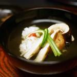 山玄茶 - 料理写真:お椀 松茸と鱧 木の葉真丈