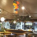 桃の農家カフェ ラペスカ - 天井に葡萄?
