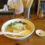 麺屋 海 - 料理写真:塩らーめん(700円)