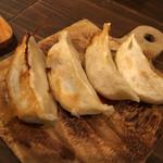 東京餃子 あかり - 海老焼餃子が旨い、旨過ぎる。