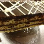 エリオ アンティカ デリツィア - 濃厚チョコレートのケーキ