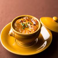ザ・ワインバー ナカス - 世界一のオニオングラタンスープ