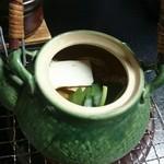 和庵 肥田亭 - 松茸の土瓶蒸し