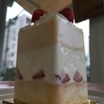 パティスリー イデー - 苺のショートケーキ
