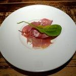 ラ・パウザ 小麦の家 - イタリア産生ハム(430円)