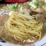 大和 - やまとラーメン(麺のアップ)