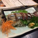 73565084 - 秋刀魚の姿造り