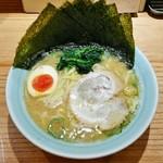 壱八家 - ラーメン730円麺硬め。海苔増し50円。
