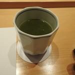 銀座 すし四季 - 緑茶です。