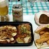 金のとりから - 料理写真:ペアセット(お好み焼きと焼きそば)、金のとりから、ポッポ焼き、ビール
