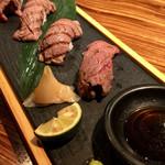 門 - 黒毛和牛 肉寿司