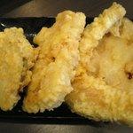 伊予製麺 - 天ぷら各種