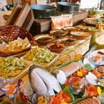 白馬ハイランドホテル - 糸魚川から仕入れた食材も中心ではありませんが、ラインに並びます