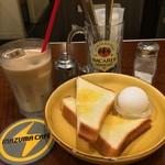 イナズマ カフェ - アイスオーレ/モーニングサービス