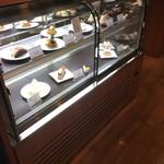 武蔵野茶房 - ケーキは、ここからも選べます