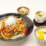 たけ山 - 埼玉伝統野菜「青茄子」麻辣うどん