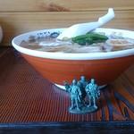 キッチンひばり - ラーメン500円 側面