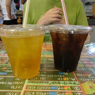 チャーリー多幸寿 - ドリンク写真:さんぴん茶とゼロコーラ