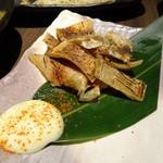 旬野菜と魚 琉球ダイニング ま・じゅん - エイの炙り