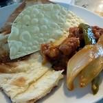 Cyustal JyoJyo - ナンと料理