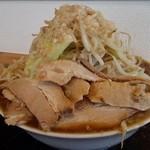 麺屋 小太郎 - 二郎系ラーメン(野菜マシ)800円