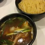 ラーメン哲史 - 鴨叩きと若鶏つくねの醤油つけ麺