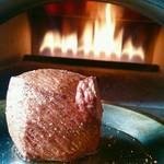 窯焼きビストロ 博多 NUKU NUKU - 放牧牛の窯焼きステーキ