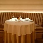 銀座 レカン - テーブル席