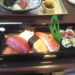 和食 梅心 - 寿司弁当の寿司
