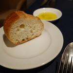 レストランキハチ - パン