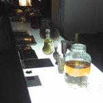 736186 - 果実酒が並ぶカウンター