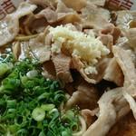 中華そば研究所 マルケン - 料理写真:鬼の肉そば:ニク②麺①♪