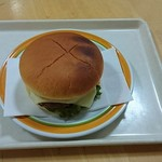 ルンルン - 料理写真:チーズバーガー¥250
