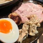 つけ麺 道 - つけ麺 道(東京都葛飾区亀有)つけ麺・トッピングは別皿