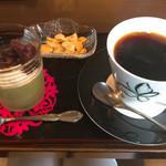 らん。 - 料理写真:コーヒー代だけで、抹茶プリンはサービス